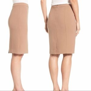 Halogen Seamed Pencil Skirt in Dark Camel